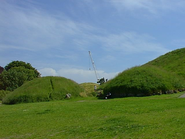 Visiting Knowth